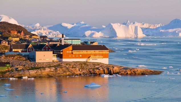 Un village côtier du Groenland.