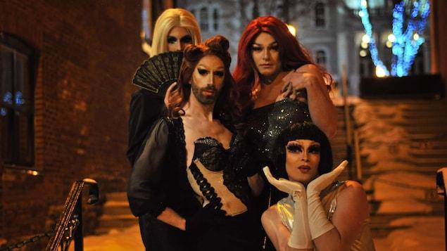 Miss Fontaine, Gina Gates, Taylor De Vil et Samantha Barnack
