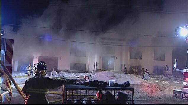 Un incendie suspect endommage une maison d orl ans ici for Porte et fenetre mauricie