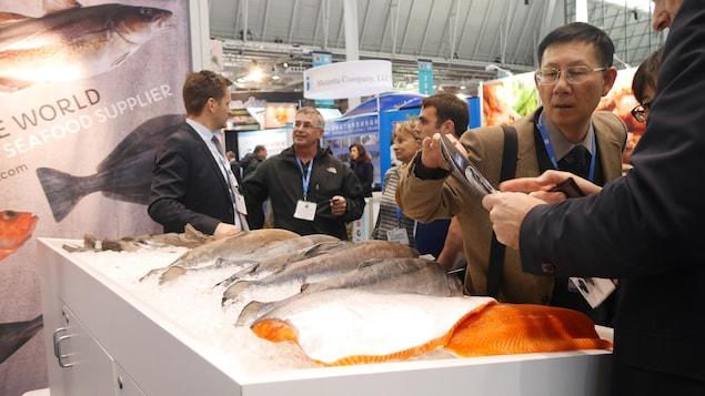 Transaction à Boston, au Seafood Expo North America, le plus important marché de produits de la mer en Amérique du Nord.