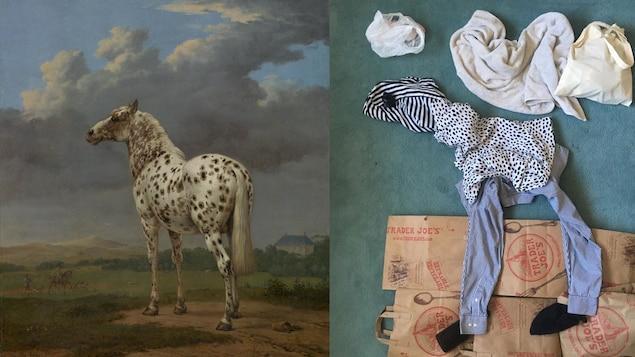 Des vêtements sont disposés sur le sol de façon à ressembler au cheval et aux nuages de l'œuvre d'art.