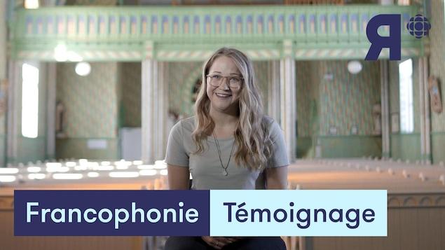 Une jeune Acadienne qui témoigne de son accent.