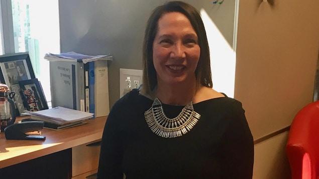 Tracy Campbell dans son bureau à Calgary.