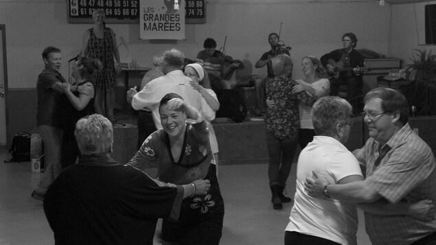 Musique et danse traditionnelle aux Îles-de-la-Madeleine