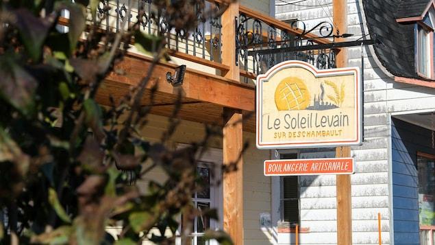 L'affiche de la boulangerie Au Soleil Levain