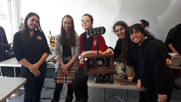 Des élèves du Séminaire de Sherbrooke participent à l'événement Garbage art