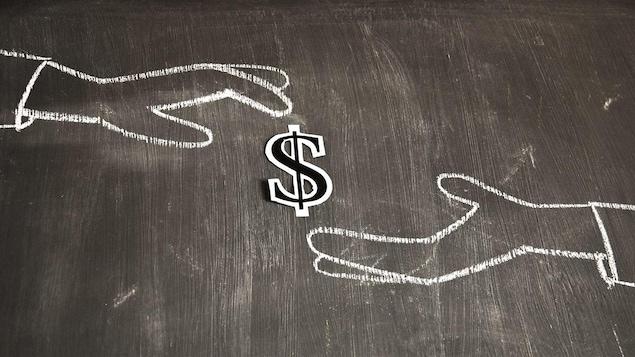 Deux mains ouvertes l'une vers l'autre, dessinées à la craie sur un tableau noir. Entre elles est posé le signe $ découpé dans du papier.