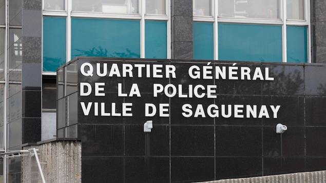 Accusations portées contre un policier de Saguenay