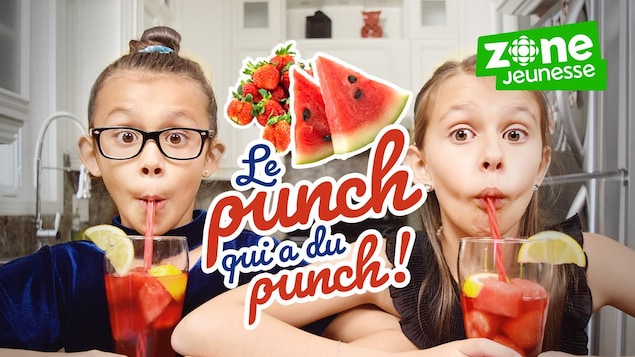 Elles boivent un punch aux fruits rouges