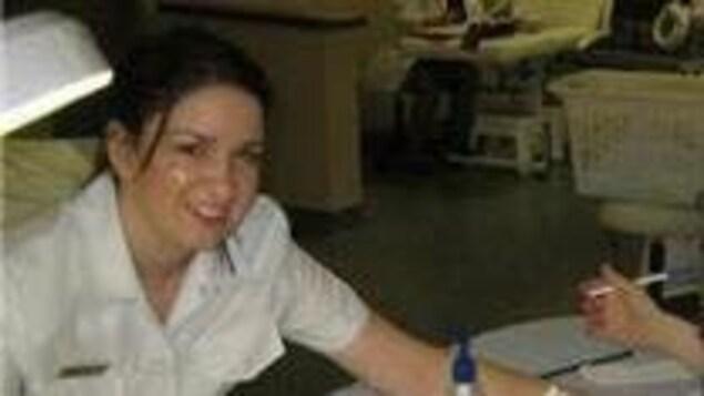 Debbie Mallet se trouve à l'Hôpital de Moncton avec ses deux bébés, qui sont aux soins intensifs.