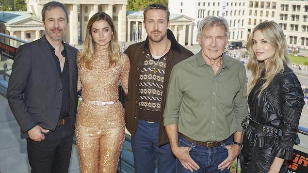 Denis Villeneuve, Ana de Armas, Ryan Gosling, Harrison Ford et Sylvia Hoeks le 17 septembre 2017 à Berlin