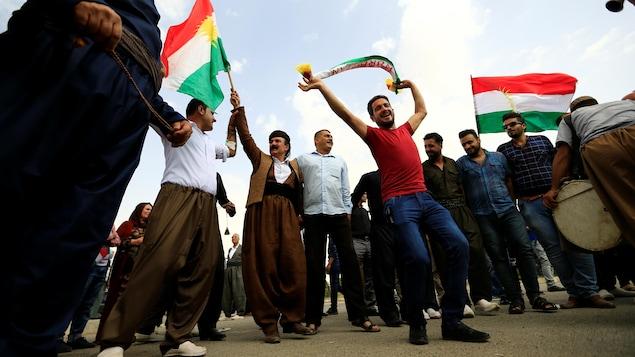 Des Kurdes célèbrent à Kirkouk, dans le cadre du référendum sur l'indépendance de leur région.