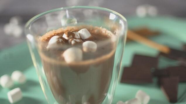 Une tasse de chocolat chaud