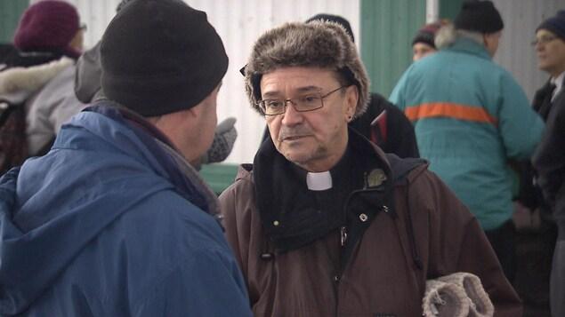 L'abbé Claude Paradis, un prêtre qui a connu l'itinérance