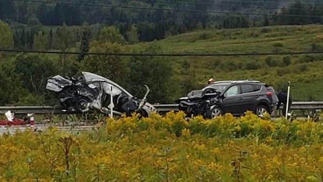 Deux voitures impliquées dans un face à face.