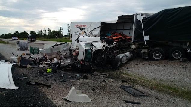 Une scène d'accident de la route.