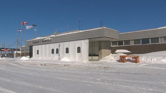 L'aéroport de Bagotville en hiver.