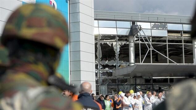 L'aéroport de Bruxelles après les attentats du 22 mars 2016