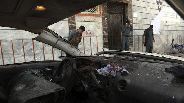 Un attentat-suicide a visé un centre d'enregistrement pour les élections législatives, à Kaboul, en Afghanistan