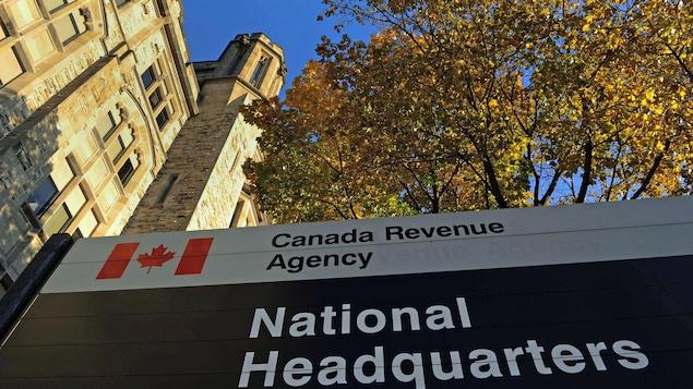 Le quartier général de l'Agence du revenu du Canada, à Ottawa. THE CANADIAN PRESS/Sean Kilpatrick