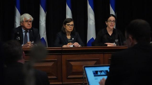 Danielle McCann et Sonia LeBel en conférence de presse.