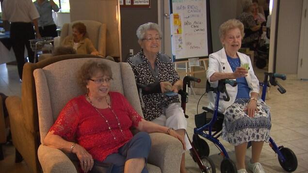 Des aînés dans une résidence de Trois-Rivières.