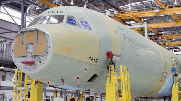Un avion Airbus en phase d'assemblage à l'usine de Mobile en Alabama.