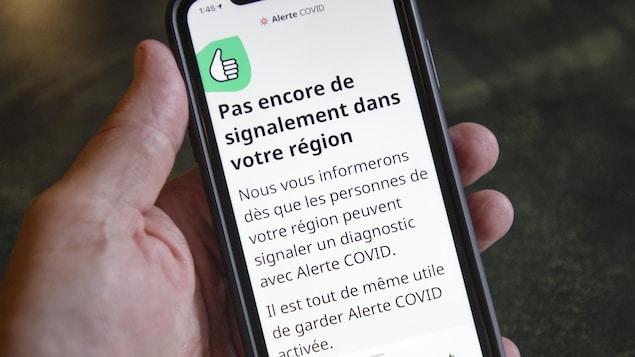 Un message sur un téléphone portable  indique « Pas encore de signalement dans votre région ».