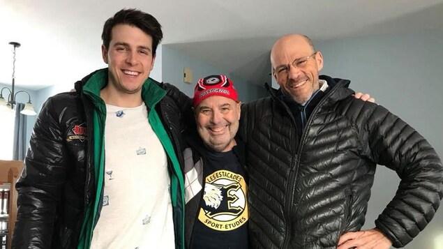 Luc Germain a reçu récemment la visite d'un de ses athlètes du Rouge et Or, Alexis Turgeon, accompagné de son père Richard, un ami de longue date de Luc