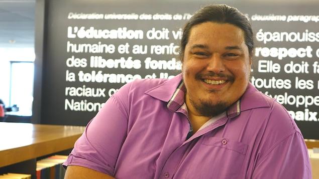 L'ex-député du PQ dans Abitibi-Est, Alexis Wawanoloath étudie à l'Université de Sherbrooke en droit.