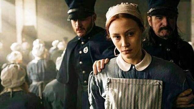 Sarah Gadon dans la série «Alias Grace» («Captive», en français)