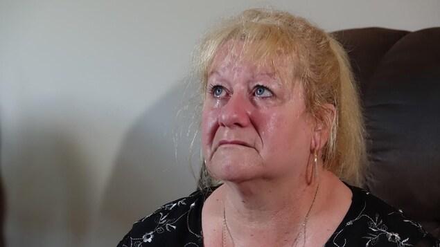 Une femme qui pleure.