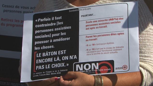 Manifestation contre le projet de loi 70 à Sherbrooke