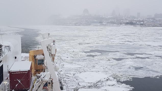 Vue à partir du brise-glace de recherche NGCC Amundsen, dont la 3e mission scientifique Odyssée Saint-Laurent débutait ce matin.
