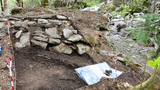 Les spécialistes ont confirmé la présence d'objets en céramique qui datent de la deuxième moitié du 18e siècle.