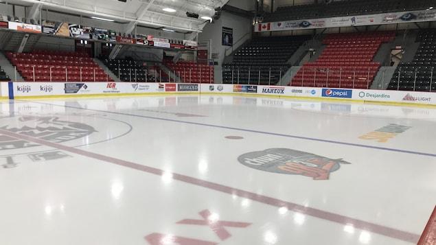 L'intérieur de l'aréna Iamgold où jouent les Huskies de Rouyn-Noranda.