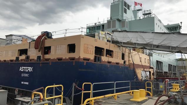 Conversion d'un porte-conteneurs allemand en navire ravitailleur