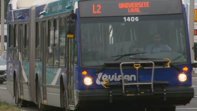 Un autobus de la Société de transport de Lévis