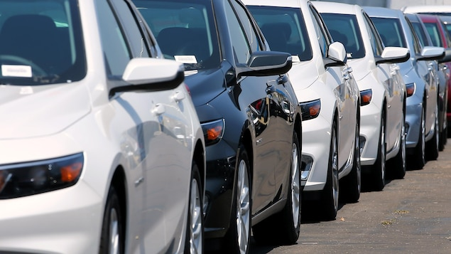 Des véhicules automobiles