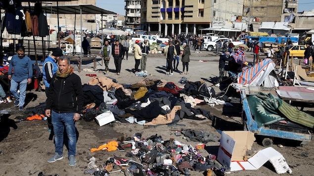 Un marché de Bagdad, théâtre d'un double attentat suicide.