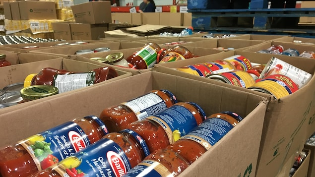 Des produits alimentaires achetés par la Banque alimentaire d'Edmonton