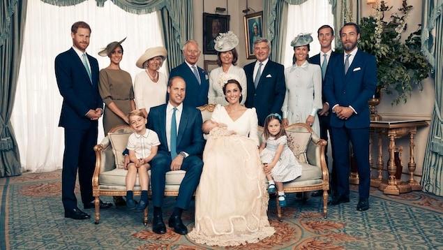 Découvrez les photos officielles du baptême du Prince Louis (si craquant)