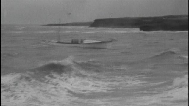 Un bateau dans l'eau à Escuminac.