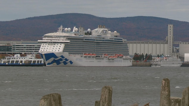 Le Royal Princess au port de Québec
