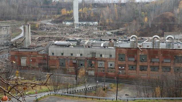 Le site en état délabrement de la Belgo.