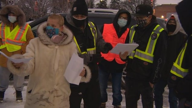 Des bénévoles participent à la recherche d'une fillette de 11 ans disparue à Winnipeg.