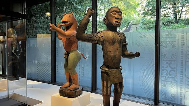 Des statues des trésors d'Abomey, exposées à Paris.