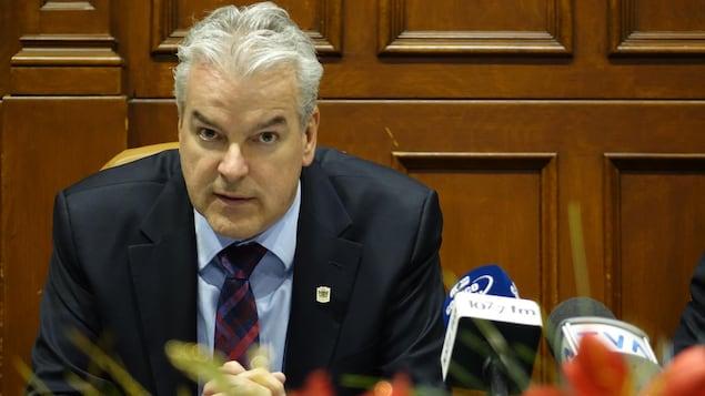 Bernard Sévigny, maire de Sherbrooke, lors d'une conférence de presse