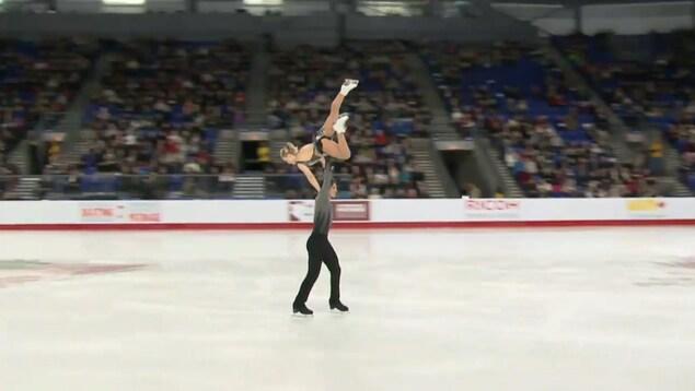 Charlie Bilodeau et Julianne Séguin lors des championnats nationaux de Vancouver