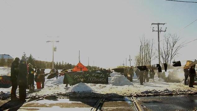 manifestation sur la voie ferrée du CN à Saint-Lambert